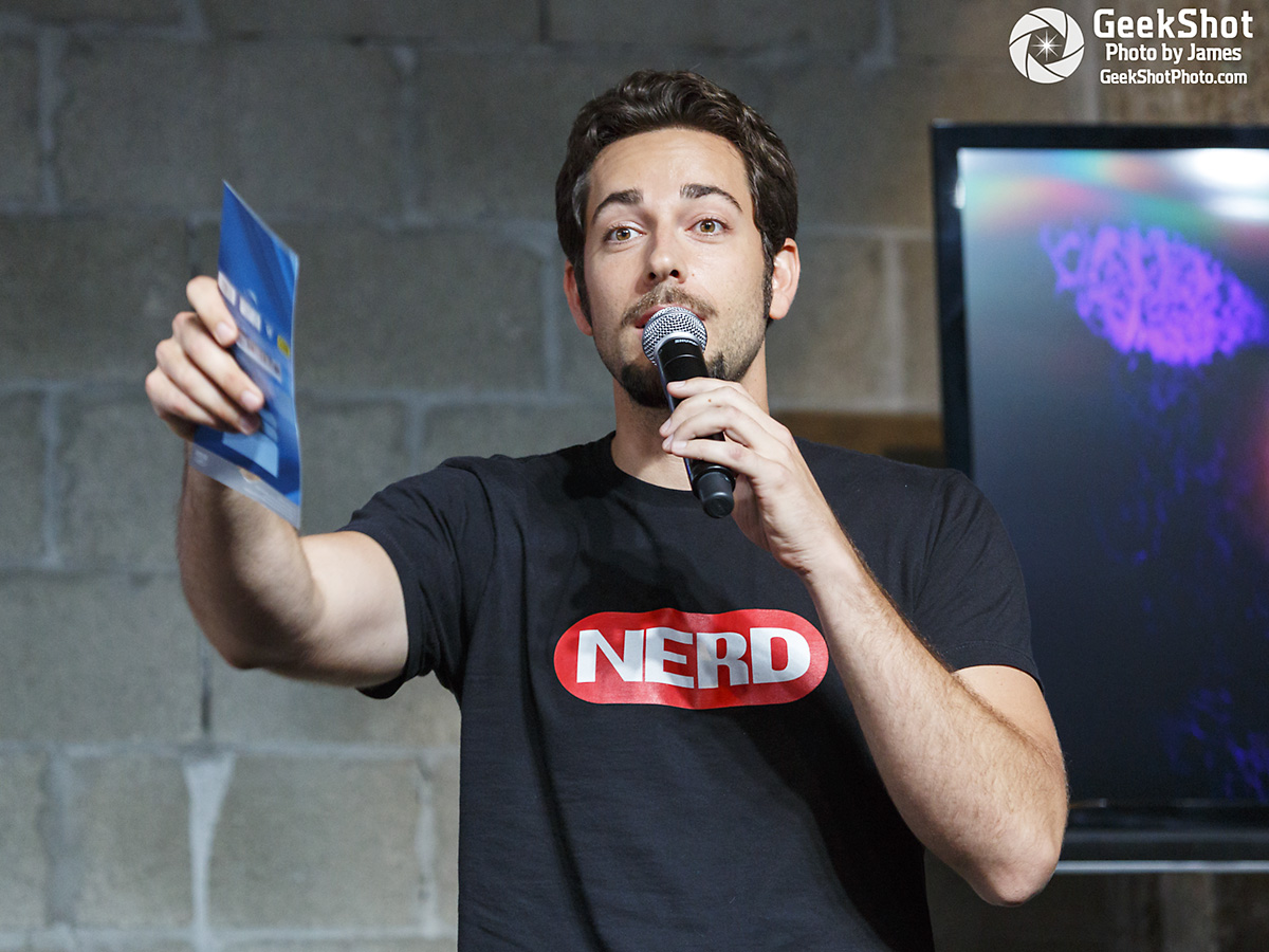 Zachary Levi Zac Zach Nerd HQ Machine 2012