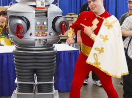 GeekShot photo series week 3 - Captain Marvel Lost in Space Robot cosplay