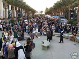 Attendees spill out onto the walkway at the close of WonderCon Day 1