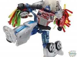 Hasbro SDCC 2014_Optimus Prime_robot