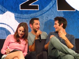 Zachary Levi surprises Dylan O'Brien in the Maze Runner panel