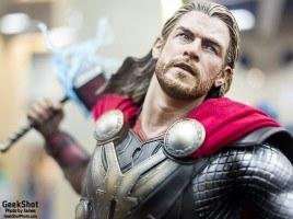 GeekShot Exclusive Series Week 23 - Thor Sideshow Collectibles statue Marvel Comics Chris Hemsworth
