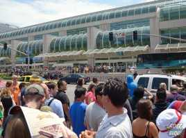 Outside Convention Center Front Crowd View - SDCC 2014 Friday