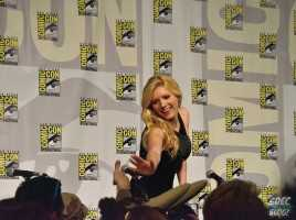 After the panel finished Katheryn Winnick stayed behind for a little fan interaction.